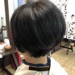 くせ毛になるのは、骨格(頭)の凹も原因です!