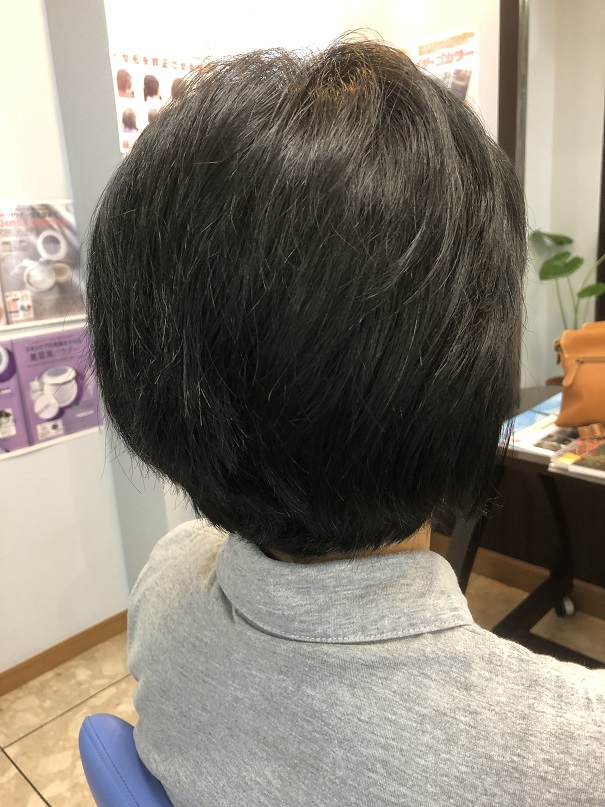 くせ毛はやっぱり短めが落ち着きます。