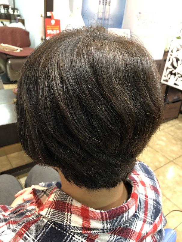 くせ毛に梳きバサミを入れるのはNGですよ d(^^*)
